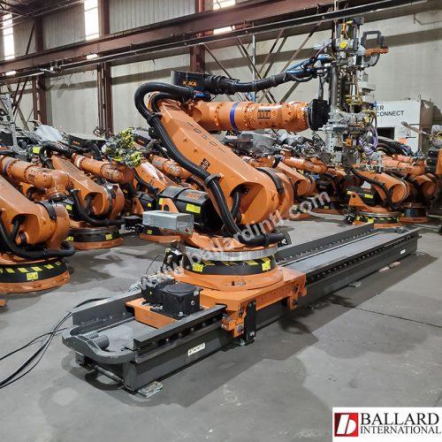 Kuka Robot with a Linear Rail
